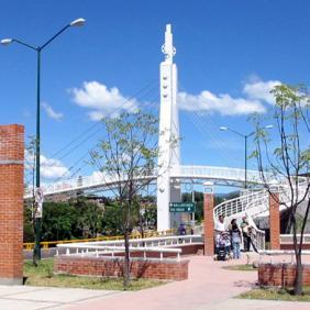 Plaza y puente Cozumel